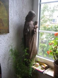 Die Madonna im Fenster